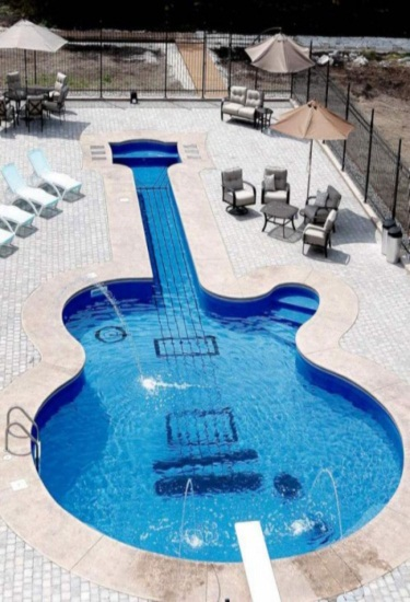 the les paul swimming pool
